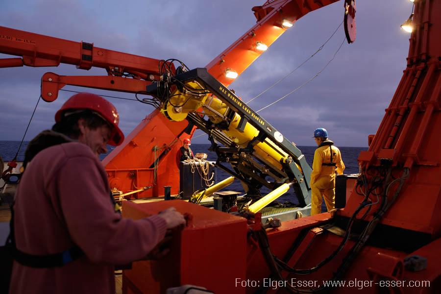 Das AUV ABYSS an Deck des Forschungsschiffs METEOR. Foto: Elger Esser, www.elger-esser.com