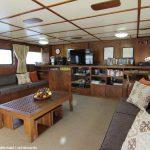 Der Salon auf dem Schiff.