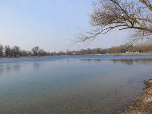 Blick über den Deglersee in Rastatt-Plittersdorf.