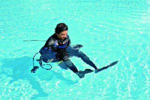 Anziehen im Wasser 3