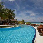 Pool und Poolbar sind beliebter Treffpunkt. Foto: H. Hoepfner