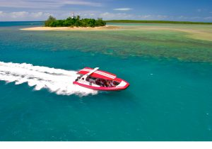 "Mit dem neuen ""Reef Sprinter 3"" kommt man in nur 40 Minuten ans Outer Reef (Tourism and Events Queensland)"