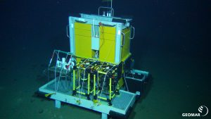 """Elevator lander on the seafloor. Image taken during cruise SO242/2 in the DISCOL area at 4100 m depth by ROV KIEL 6000. The Investigations were part of the JPIOceans project """"Ecological Aspects of Deep-Sea Mining""""."""