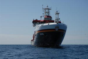 """RV SONNE on cruise SO242 in the DISCOL area. The cruise was part of the JPIOceans project """"Ecological Aspects of Deep-Sea Mining"""""""