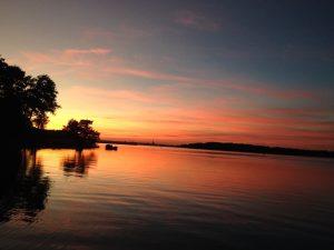 Sonnenuntergang direkt vor der Basis. (Foto: Mario Kosielowsky)