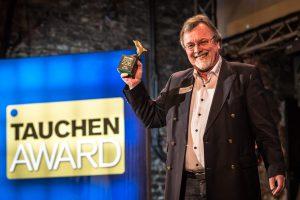 Werner Thomaier nahm den Preis fürs beste Jacket entgegen. (Stefan von Stengel)