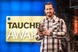 Der beste Tauchcomputer kommt aus dem Hause Suunto. Marc Schaumburg nahm den Award entgegen (Foto: Stefan von Stengel).