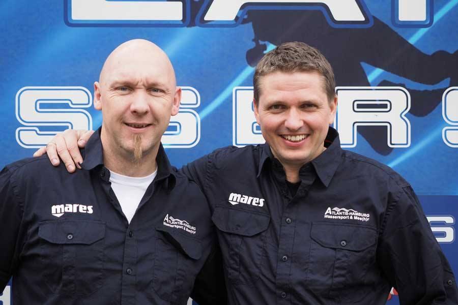 Atlantis-Hamburg-Chef Danny Mai (links) und Atlantis-Geschäftsführer Christian Wendt (rechts) können sich über einen tollen Eröffnungstag freuen.