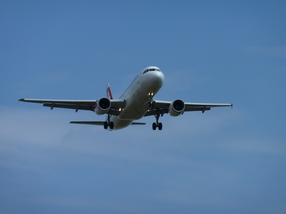 Künstliches Riff im Anflug: Ein Airbus A300 wird zur Attraktion für Taucher.
