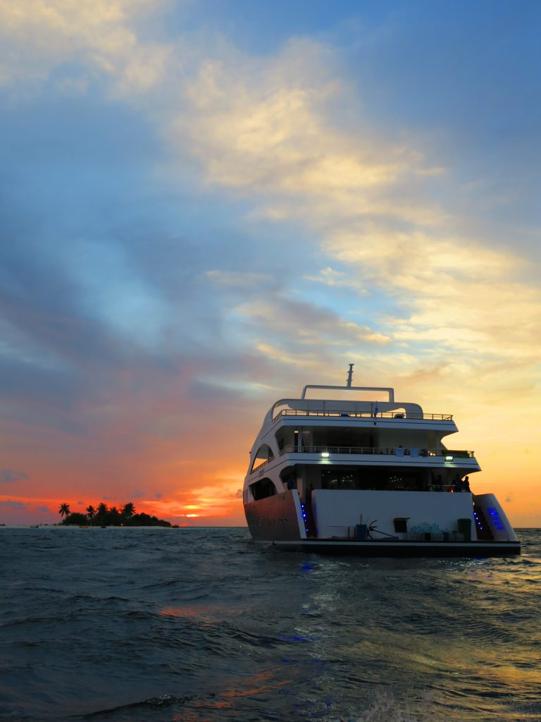 Sechs Schiffe der Emperor Divers kreuzen auf den Malediven. Hier: Die Emperor Serenity. Foto: Emperor