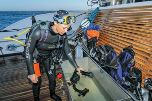 Nach dem Tauchgang die Kamera auch unter fließendem Wasser abspülen (3). Foto: W. Pölzer