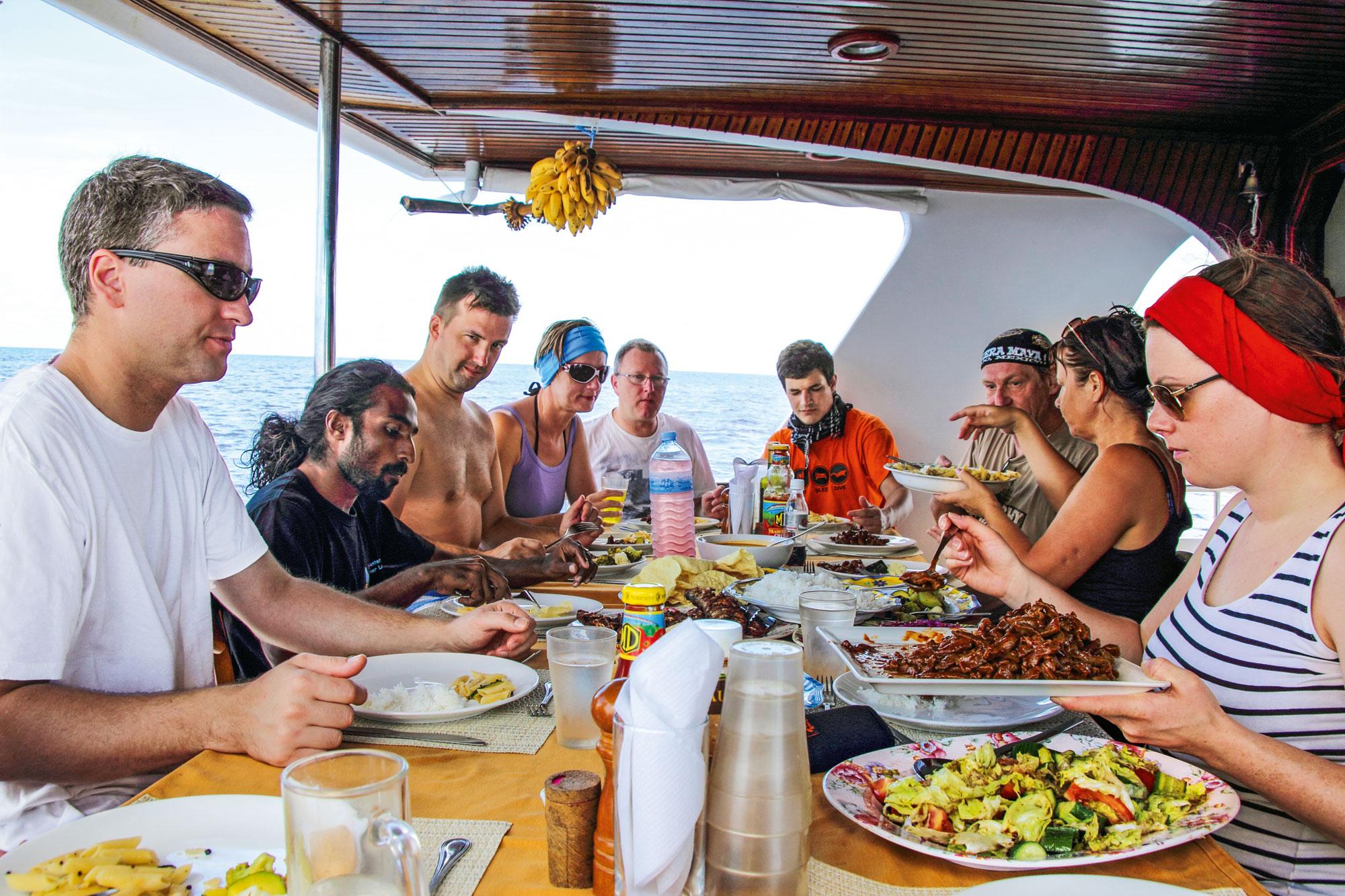 Alle essen gemeinsam
