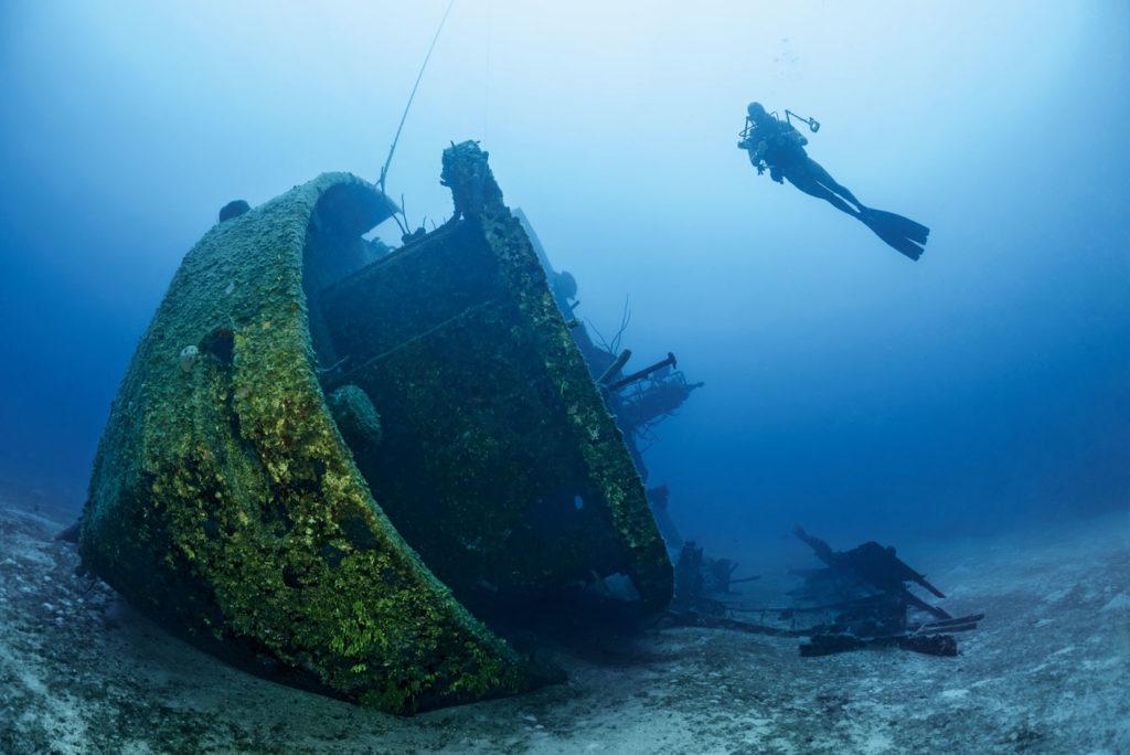 """Tipp für Wrack-Fans: Im Westen der Insel liegt die 64 Meter lange """"El Aquila"""" in 30 Metern Tiefe. Foto: W. Pölzer"""