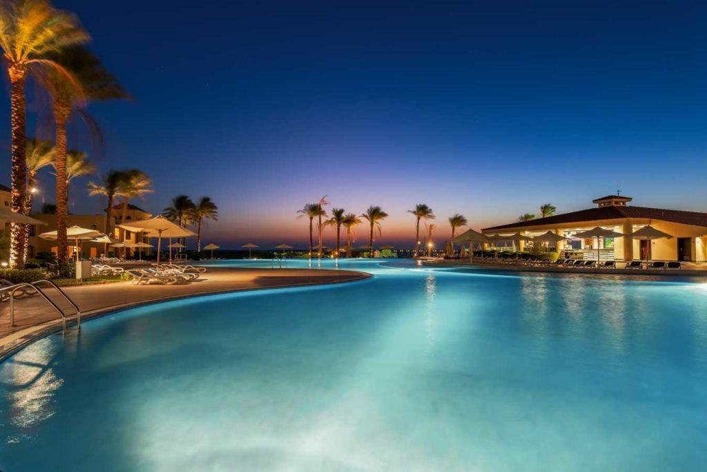 Im Cleopatra Luxury Resort wird Urlaubern viel geboten. Es gibt mehrere Pools, viele Sport- und Wellnessangebote, Unterhaltungsprogramme sowie mehrere Restaurants und Bars. Foto: Cleopatra Luxury Resort