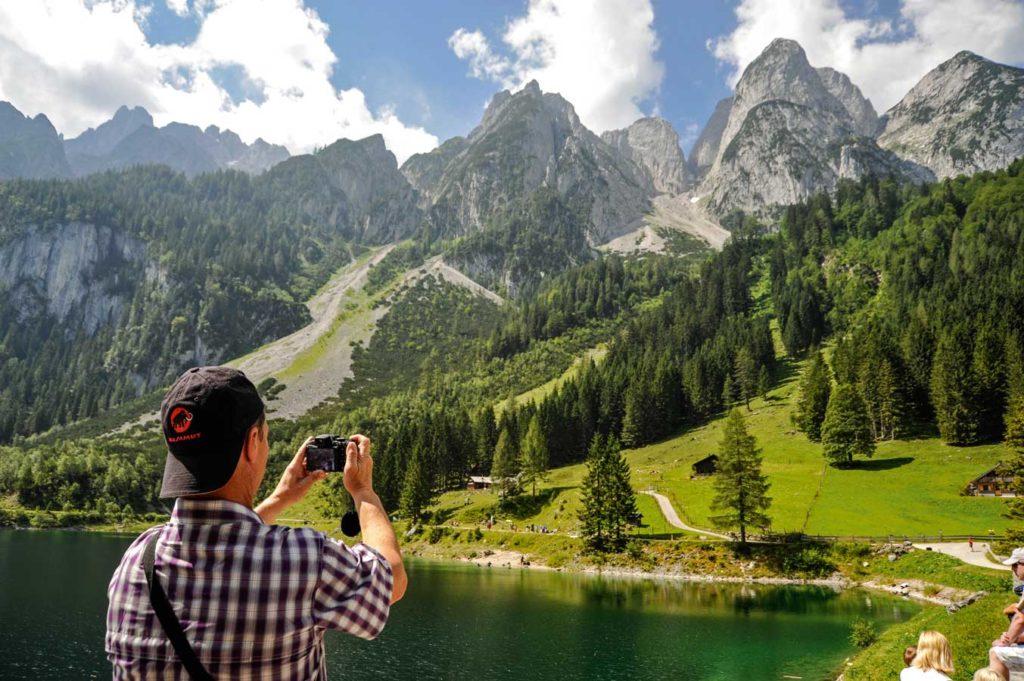 Der Vordere Gosausee liegt malerisch im Dachsteingebirge. Foto: G. Nowak