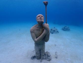 Frankreich eröffnet drei Unterwasser-Skulpturenparks