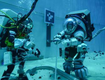 Astronauten trainieren unter Wasser für Mond Mission