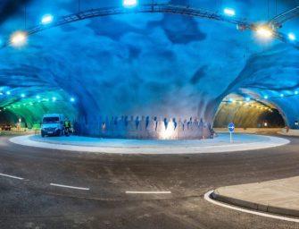 Spektakulärer Unterwasser Kreisverkehr