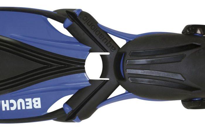 Die Beuchat-Flosse Aquabionic ist den Flossen im Wasser lebender Säugetieren nachempfunden. Das Fussfach der Aquabionic ist üppig und bietet selbst für Trocki-Füsslinge genügend Spielraum.