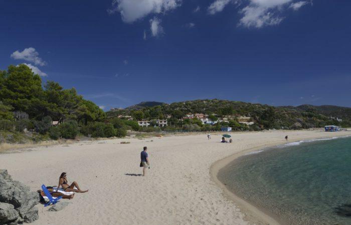 Strand bei Geremeas: Wirklichkeit gewordener Fernwehtraum gestresster Mitteleuropäer.