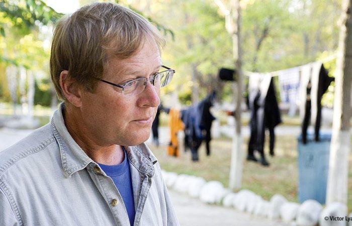 Der Direktor: Dr. Fredrik Hiebert ist der Direktor des »Issyk-Kul Archaeological Project«. Der Archäologe für National Geographic hat bereits Ausgrabungen entlang der alten Seidenstraße in der Türkei, Iran, Turkmenistan, Afghanistan, Uzbekistan, der Mongolei und Kirgisistan durchgeführt.